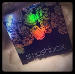 Smashbox on the rocks